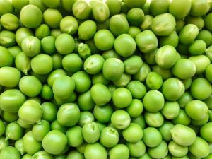 Frozen garden peas make the perfect mint pea salad in Slim R Us